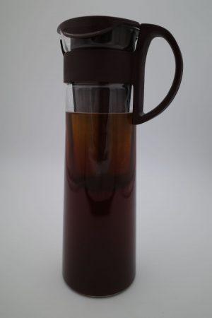 Cold Brew Kanne mit Kaffee